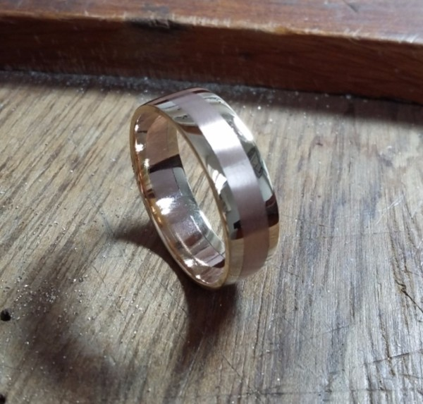 Part recycled gold wedding ring